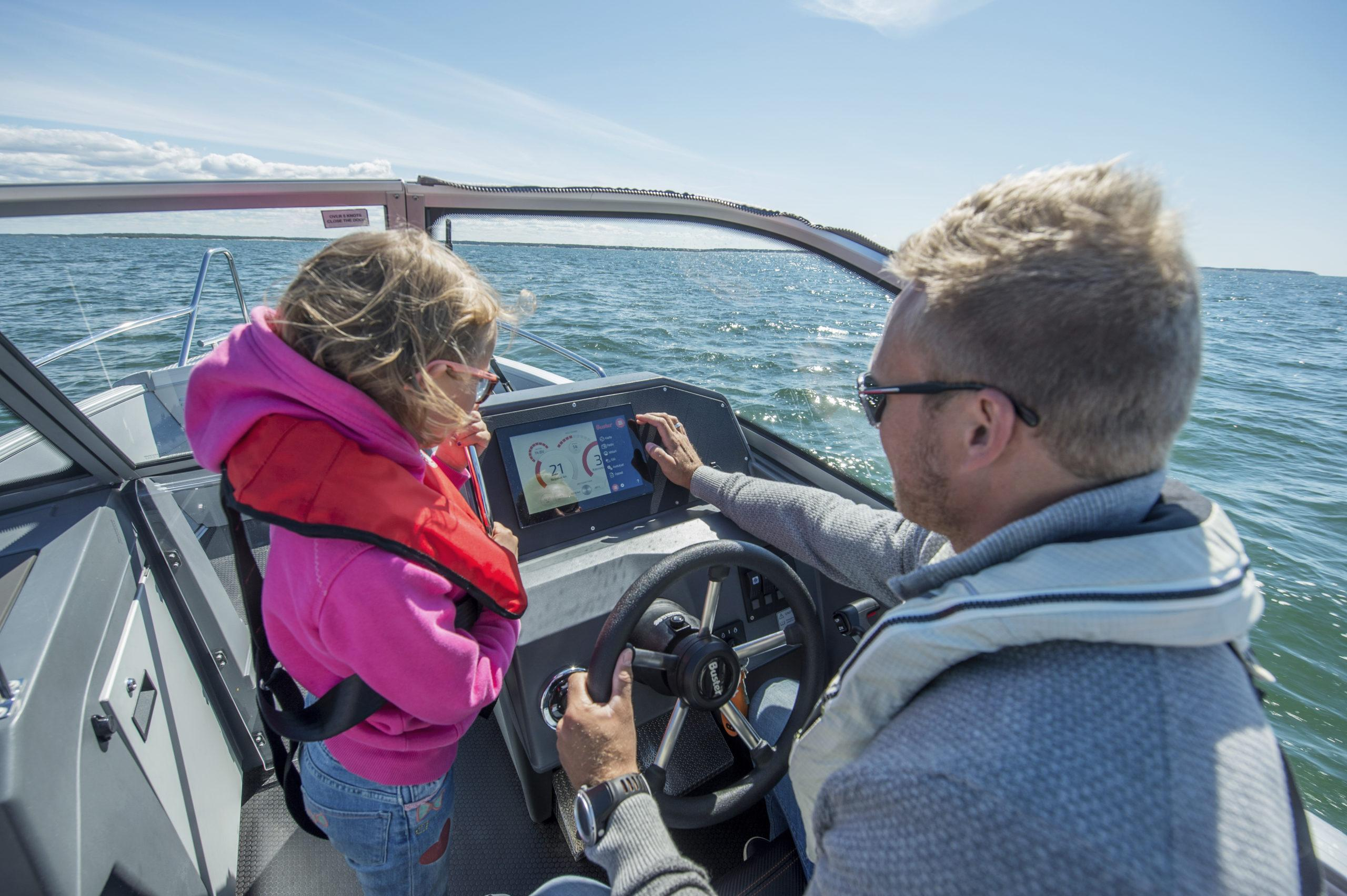 CASE: Durable and easy-to-use smart navigation system for Buster Boats